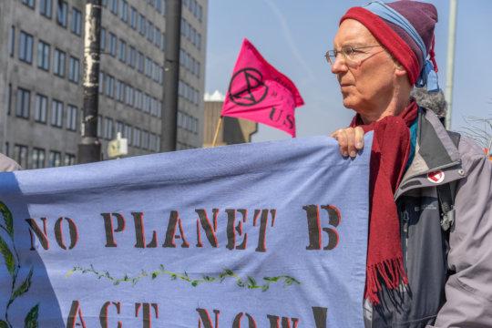 There is No Planet B-- Waterloo Bridge,15 Apr 2019